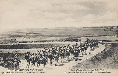 The Portuguese Expeditionary Force in France. The first battalion heading to the trenches.